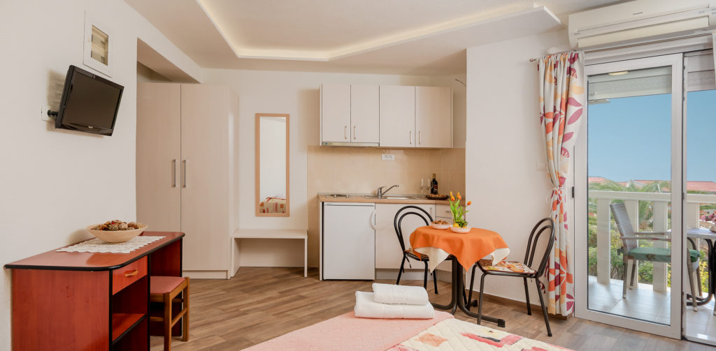 SINGLE-ROOM APARTMENT FOR 2 PERSONS